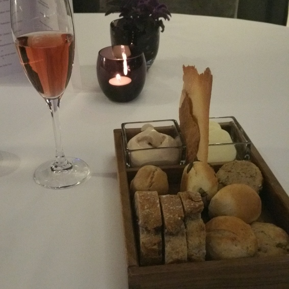 Hotel Vier Jahreszeiten Starnberg - Restaurant Aubergine Brot