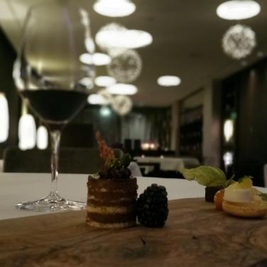 Hotel Vier Jahreszeiten Starnberg - Restaurant Aubergine Petit Four