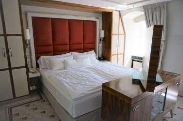 Hotel The Westin Bellevue Dresden Suite Bett
